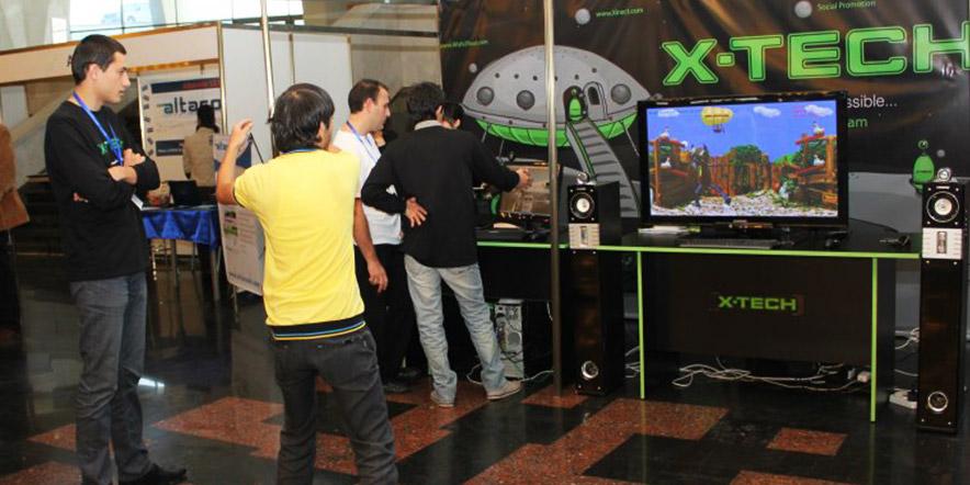 "Demonstrating Kinect Application ""Nu Pogodi"""