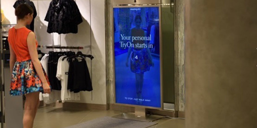 Smart Mirror in Shops – Compare Your Desired Outfits Side by Side via Neiman Marcus' Digital Mirror